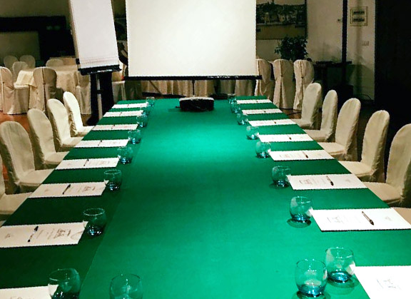 img_01_gallery_business_meeting_room